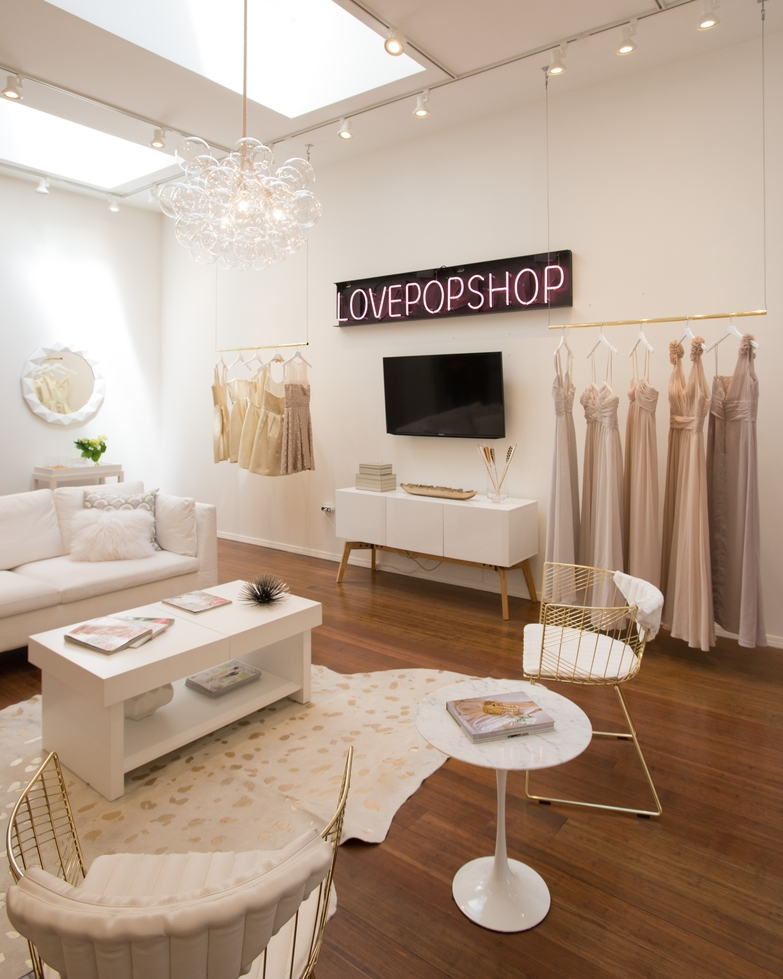 a peek inside a luxe feminine bridal salon designed on a start up budget decorist - Table Salon Design