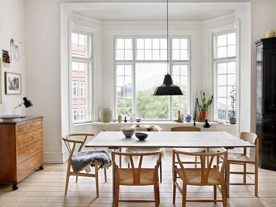 7 Ways to Style the Iconic Wishbone Chair
