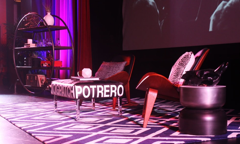 Hustle Con Conference: Decorist designed stage close-up